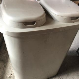 ゴミ箱 仕切りあり