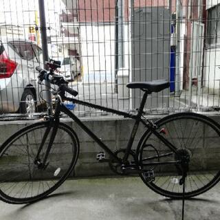 クロスバイク 黒 700x28C 1年使用 スマホホルダー…
