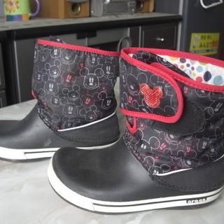 子供用クロックスのスノーシューズ兼ブーツ(女子)J2(20…
