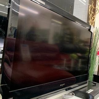 SHARPの液晶デジタルテレビとブルーレイディスクレコーダーを入...