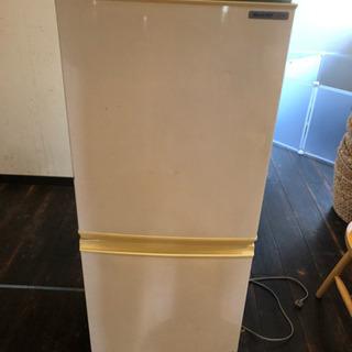 SHARP冷蔵庫137リットル 2009年製 貰ってください。
