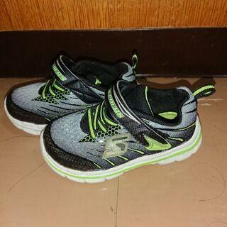 Skechers memory form の子ども靴 (値下げし...