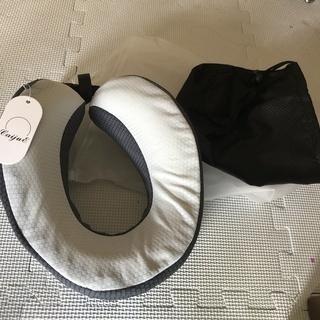 ネックピロー U型まくら 携帯枕   【新品・未使用】
