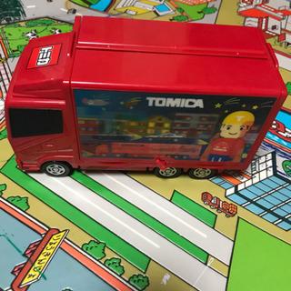 トミカ収納トラック難あり