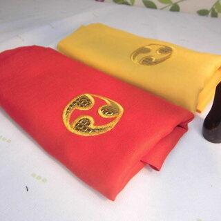 新品未使用 2.000円沖縄三線専用 左ご紋三線袋と高級素材の黒...