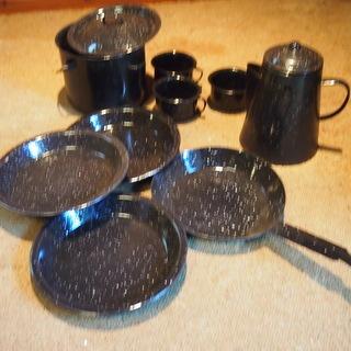 アウトドア用金属製食器(ポット、鍋、皿、フライパン、カップ)