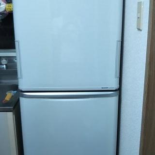 シャープ冷蔵庫SJ-PW35W/2011年製 あげます。(無料)
