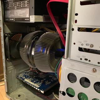 4コアCPU!グラボ搭載!メモリ8GB!自作PC