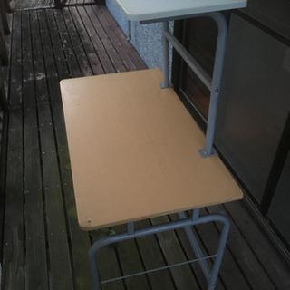 パソコン作業で使えるテーブル - 家具