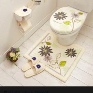 洗えるトイレふたカバー  便座カバーのみ アイボリー 花