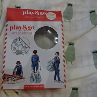 【play&go】プレイマットからお片付け。線路柄とタヌキ柄のリ...
