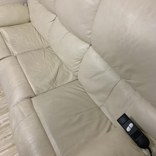 【取引中】【無料】電動リクライニングソファ - 家具