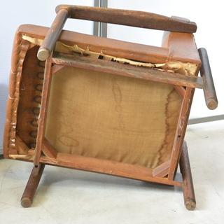 おすすめ♪雰囲気のある椅子 脚の形が良い感じ 木製 チェア レトロ 古民家 アンティーク 高70cm×横62cm×奥70cm /A - 家具