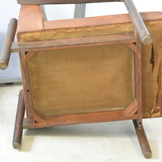 おすすめ♪雰囲気のある椅子 脚の形が良い感じ 木製 チェア レトロ 古民家 アンティーク 高70cm×横62cm×奥70cm /B - 家具