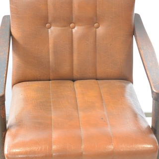 おすすめ♪雰囲気のある椅子 脚の形が良い感じ 木製 チェア レトロ 古民家 アンティーク 高70cm×横62cm×奥70cm /B − 香川県