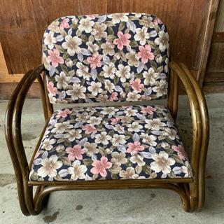 花柄 座椅子