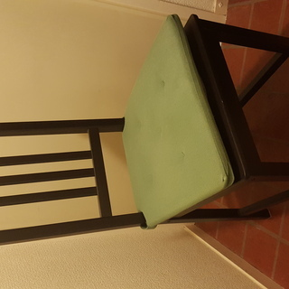 IKEAのイス2脚、定番シリーズSTEFAN、ブラウンブラック