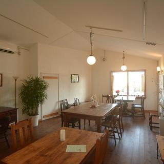 隠れ家的な落ち着いたカフェです。