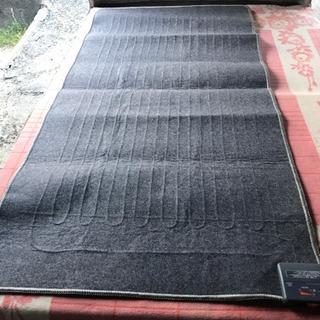 ニト1帖ホットカーペット 2011年製