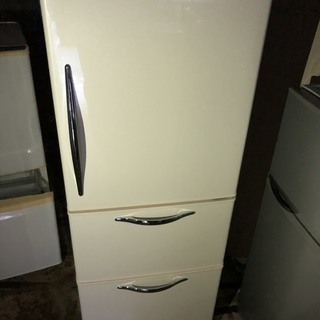 日立 3ドア冷蔵庫 265L ホワイト 2010年