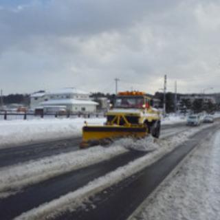 高速道路の除雪です