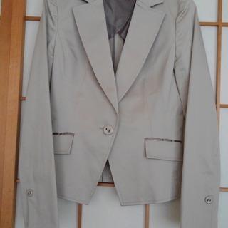 未使用・ベージュのジャケット(婦人9号サイズ)
