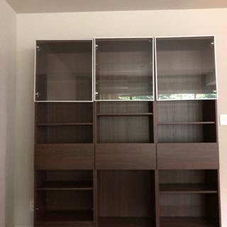 【無料‼️】家具食器棚/リビングボード、すき間収納、スティールラ...