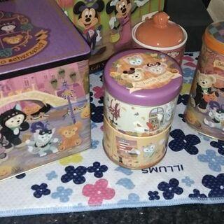 美品ディズニー♪ハロウィン缶、陶器セット
