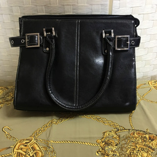 黒いバッグ  足付き  美品!
