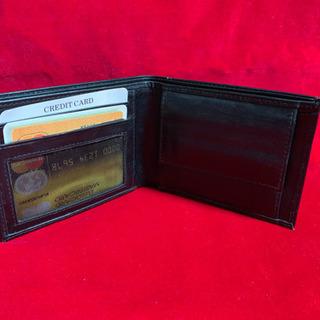 売切り価格  折畳み財布 本革製 未使用 黒 コイン入れ付き