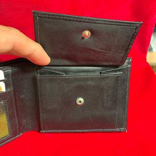売切り価格  折畳み財布 本革製 未使用 黒 コイン入れ付き - その他
