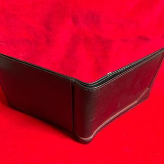 売切り価格  折畳み財布 本革製 未使用 黒 コイン入れ付き - 売ります・あげます