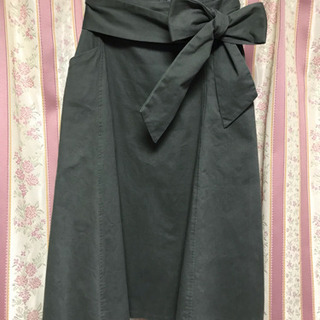 ur's カーキ スカート