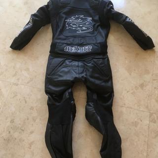 ライダースーツ