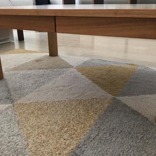 無印良品タモ材ローテーブル
