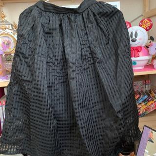 黒、スカート