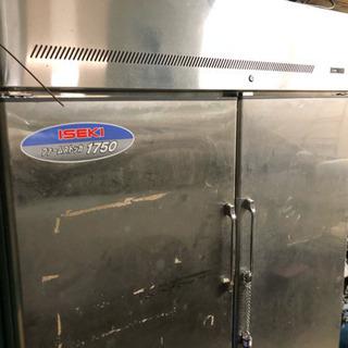 ISEKI ファームストッカー 保冷庫 冷蔵庫
