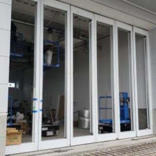自動ドア・ステンレスサッシ取付け作業 − 神奈川県