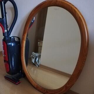 楕円形壁掛け鏡の画像
