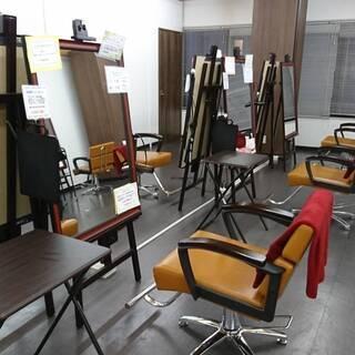 地元(箕面市近隣在住)の美容師さんや元美容師さんはいますか?
