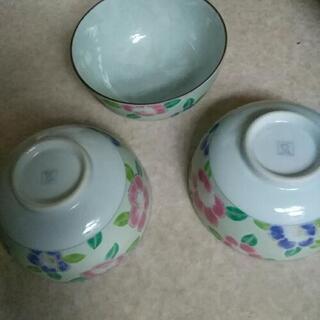 飯茶碗三個