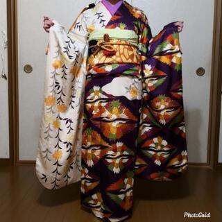 振袖☆正絹 片身変わり 紗綾形に鶴葉文様トールサイズ
