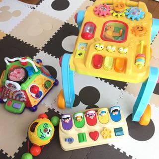 0歳から遊べる知育おもちゃをまとめて売ります!