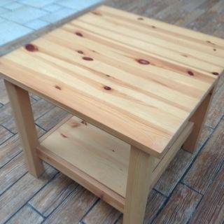 新古品!!未使用!!【 IKEA  】小さめのテーブル (パイン材)