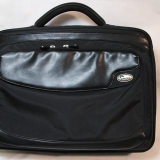 Loweproのビジネス・PCバッグです。
