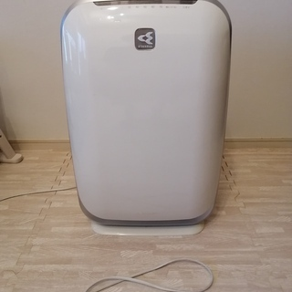 ダイキンの空気清浄機 MCK55L-W 譲渡