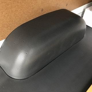 新品! ハイエースDX 純正 タイヤハウスカバー 58519-2...
