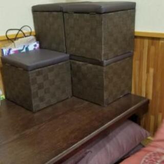 椅子5台、(予備に)