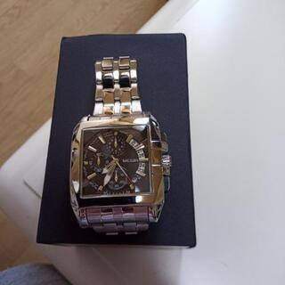 スクエアタイプメンズ腕時計