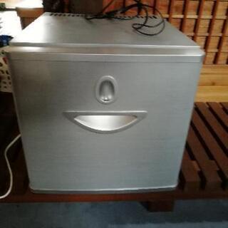 引き出し式 ミニ冷蔵庫